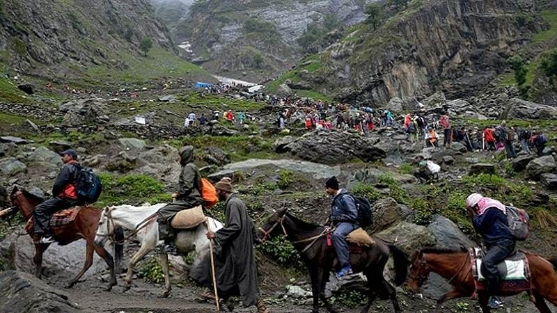 Over 3,300 pilgrims leave for Amarnath Yatra