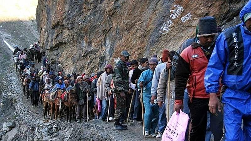 First batch of Amarnath pilgrims leave for Kashmir