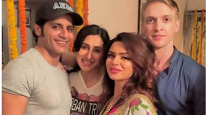 In pictures: Aashka Goradia, Brent Goble engagement in traditional ceremony