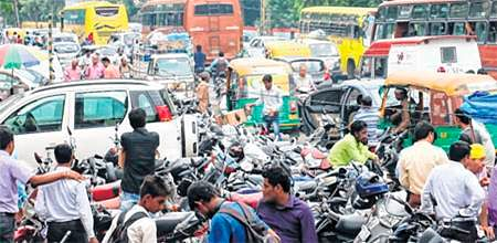 Indore: Here, illegal parking causes nuisance