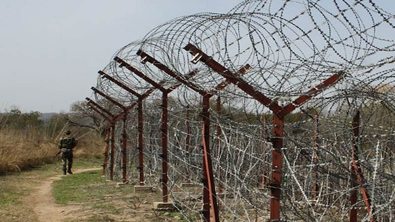 Pakistan Army violates ceasefire, targets areas along LoC