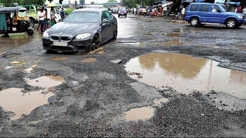 Mumbai: 59 percent of roads that require repairs are just half-complete