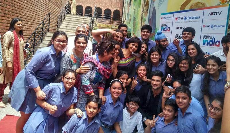 Sushant Singh Rajput meets his little fans in Delhi