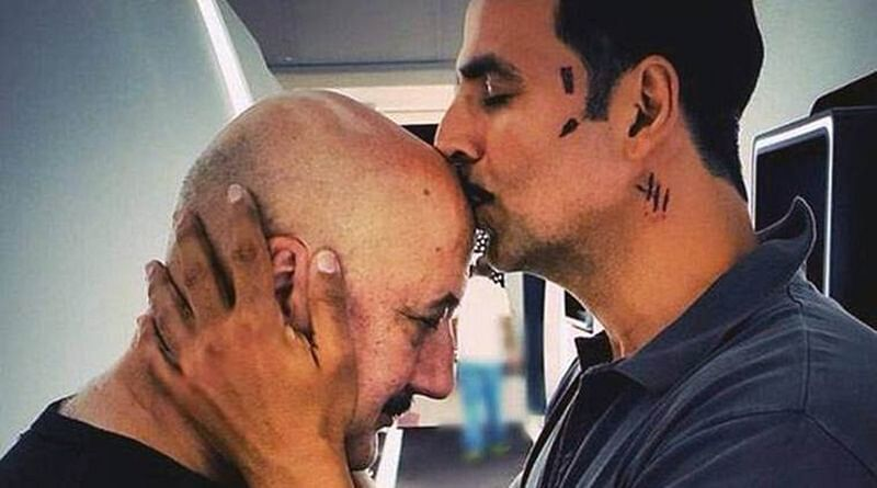 5 times the dynamic duo Akshay Kumar and Anupam Kher stole the show!