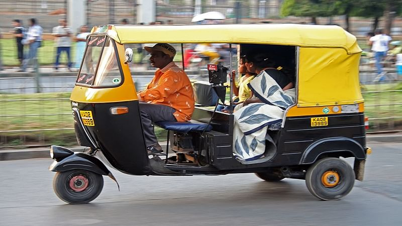 Mumbai: Special drive against errant auto drivers at Vile Parle