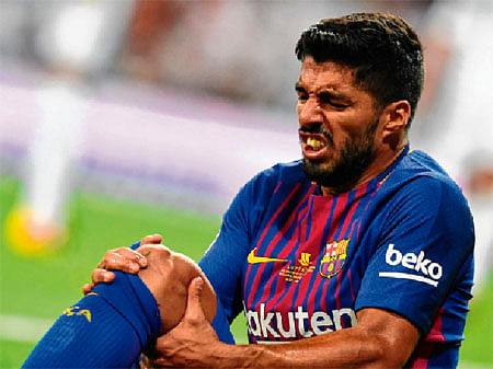 New blow for Barca: Suarez ruled out for a month