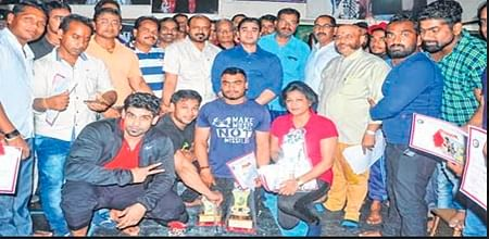 Ujjain: Bench press competition held on sports day