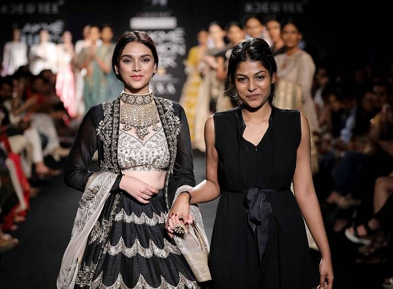 Bollywood beauties Aditi, Illeana, Tapsee end the Lakmé  Fashion Week on a glamorous note