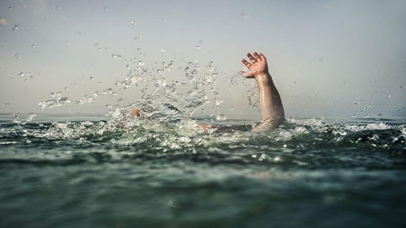 Mumbai: 3 rescued from sea off Versova coast, 1 missing
