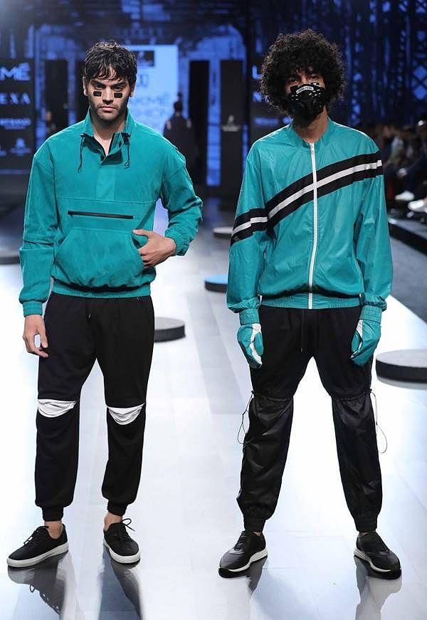 Johnnie Walker presents Abhishek Paatni at Lakme Fashion Week WF 17 (1)