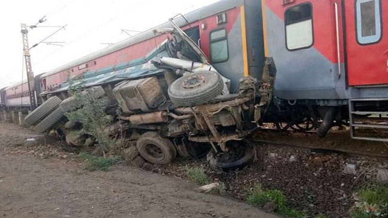 Telangana: Rayalaseema Express train derails near Nizamabad; passengers safe