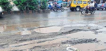 Bhopal: Puddles, potholes leave arterial Kolar Road in bad shape
