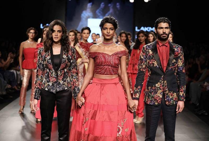 Narendra Kumar at Lakme Fashion Week Winter Festive 2017 (2)