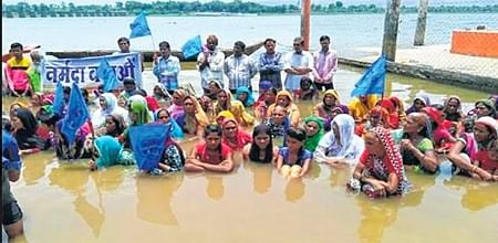 Bhopal: Narmada valley on the boil; minister busy in poll campaign
