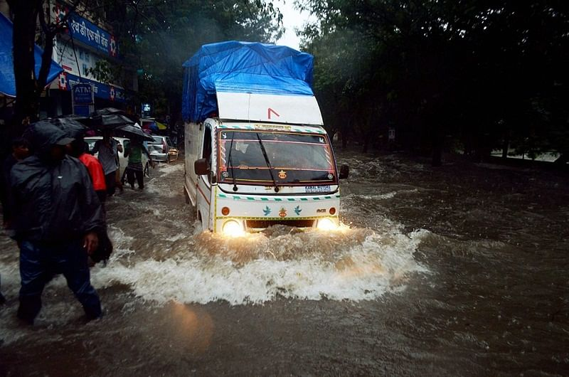 Mumbai: Heavy rains return to city, suburban trains on all lines delayed