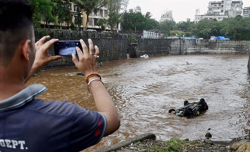 Mumbai Rains: Mumbaikars share pictures, videos on Twitter as heavy showers return