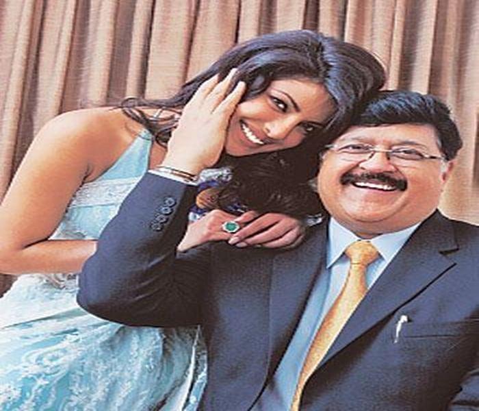 `Daddy's lil girl` Priyanka Chopra remembers father on his birth anniversary