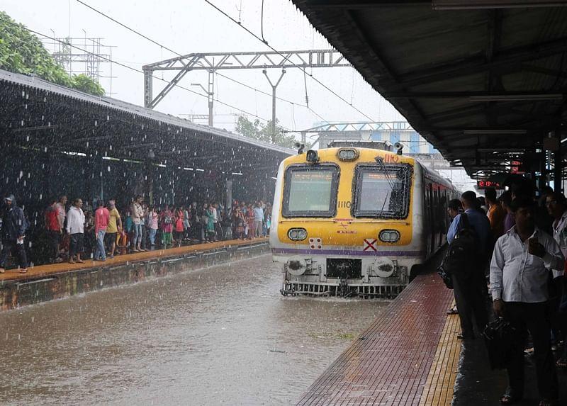 Mumbai Rains: Pregnant journalist braves 12-hour train journey