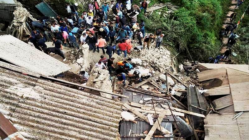 Indore: Portion of building not found rickety collapses, razed later