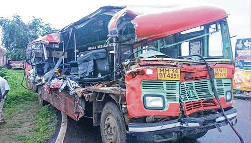 Pune: Nine killed in bus, truck accident near Narayangaon