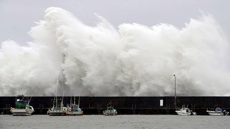 Typhoon Noru kills two in Japan