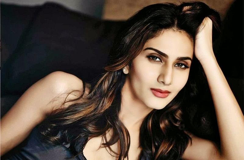 Vaani Kapoor Birthday special: Interesting facts about 'Befikre' girl