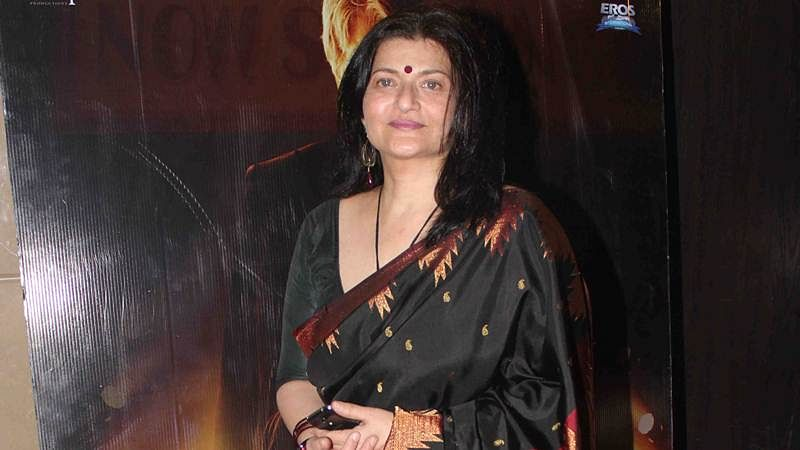 Sarika on set of daughter Shruti Haasan's next film