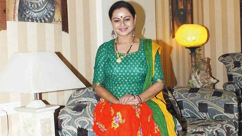Zarina Wahab, Barkha Bisht Sengupta join 'PM Narendra Modi' film