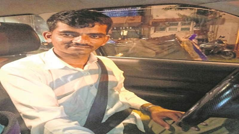 Mumbai Rains: Many find a saviour in taxi driver's selfless service