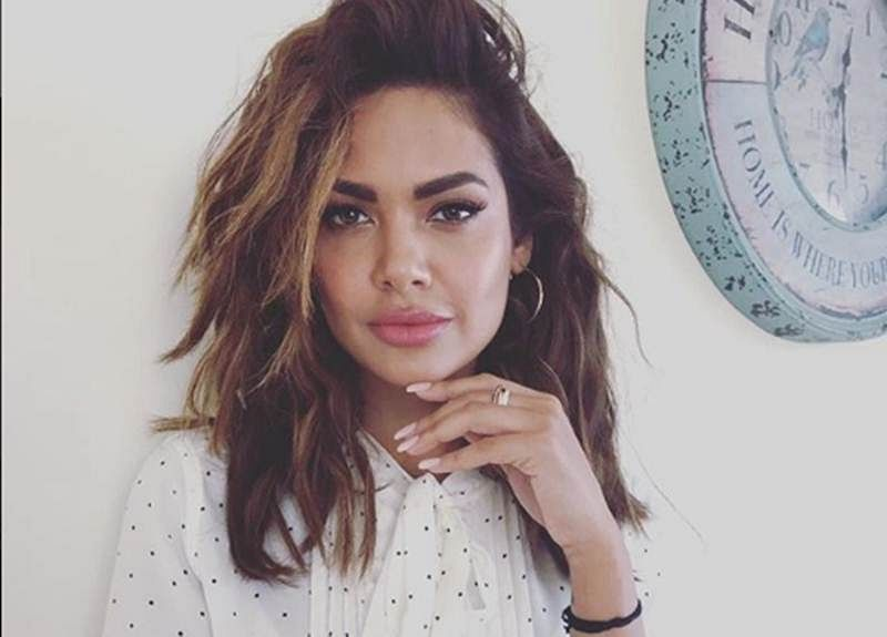 Loved Esha Gupta's topless pictures? Then, this will surely blow your mind away