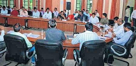 Ujjain: Jila panchayat AGM discusses corruption in onion auction