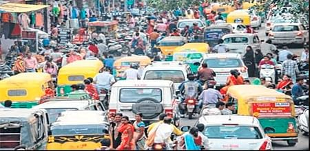 Indore: Absence of cop encourages traffic anarchy