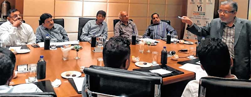 Indore News : Young Indian's organises workshop on 'Sales and Profit'