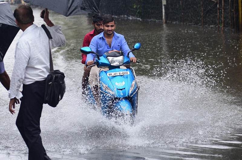 Rain batters Mumbai, 108 flights cancelled