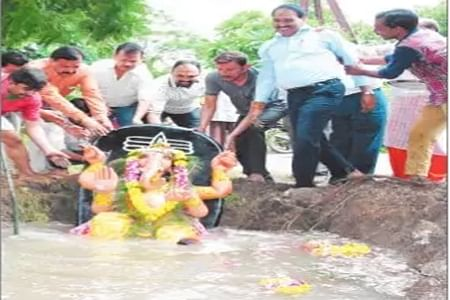 Indoreans give thumbs up to eco-friendly Ganesh visarjan