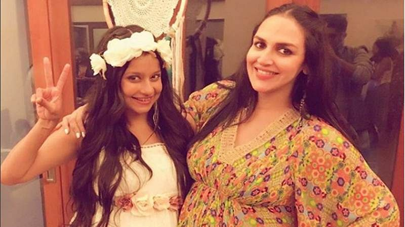 In Pictures: Esha Deol seen flaunting her baby bump at her besties baby shower