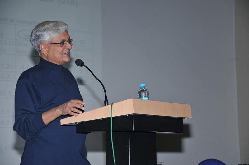 RBI should not allow rupee to appreciate: Shankar Acharya