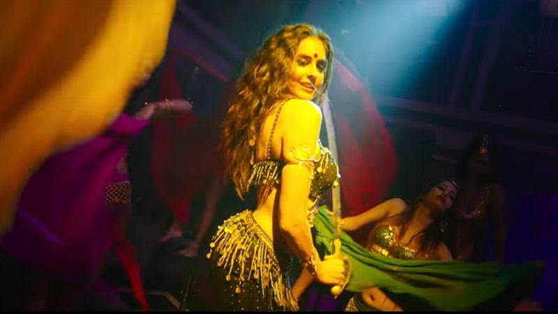 Haseena Parkar's 'Piya Aa' song is a sizzling number featuring hottie Sarah Anjuli