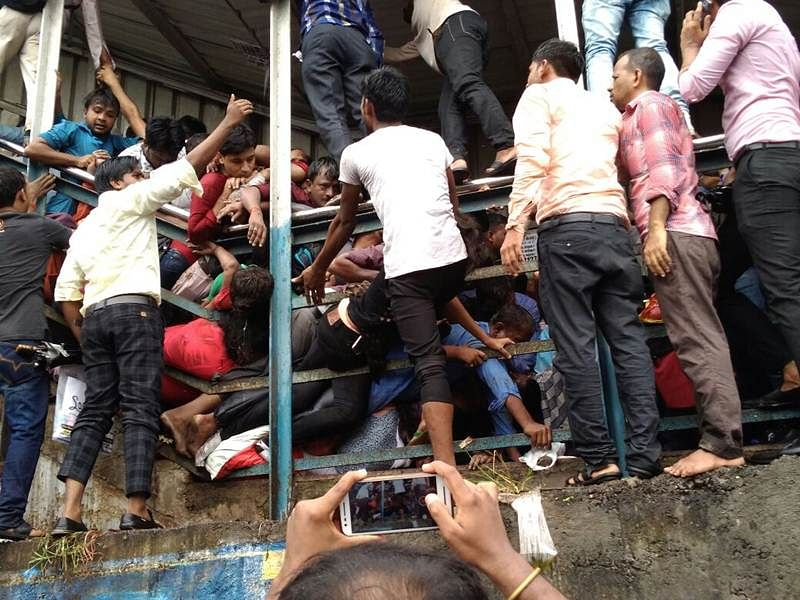 Railway Minister Piyush Goyal orders high-level enquiry in Mumbai stampede