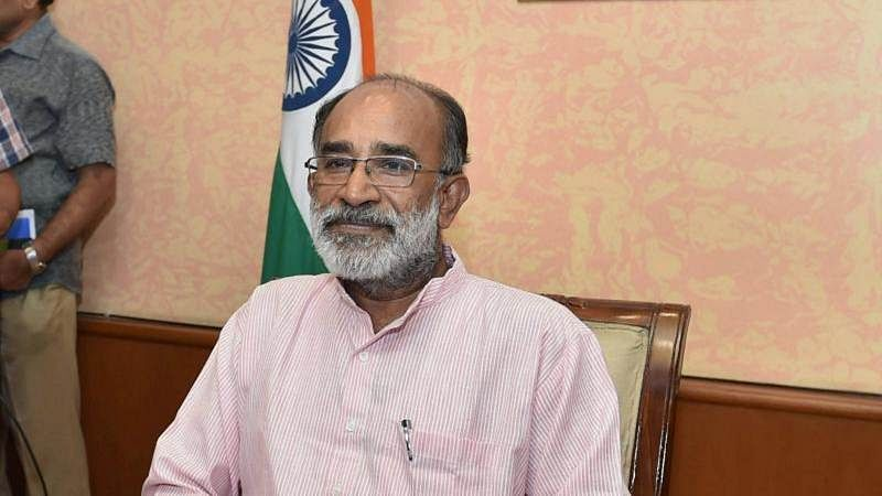 Union minister K J Alphons says he was not responsible for flight delay at Imphal