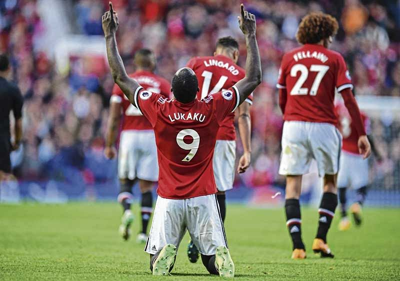 Manchester United 4, Everton 0
