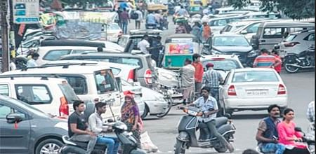 Indore: Prem Trade Centre Police turn a Nelson's eye to illegal parking
