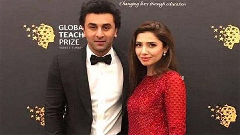 Viral! Ranbir Kapoor chills out with rumoured girlfriend Mahira Khan! See pics