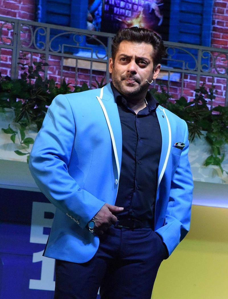 Bigg Boss 11: Here is what Salman Khan has to say about Shah Rukh Khan and Akshay Kumar