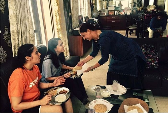 See Pictures! Shraddha Kapoor enjoys lunch at Saina Nehwal's home in Hyderabad