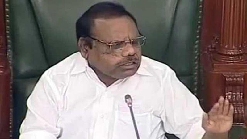 Speaker disqualifies 18 MLAs in AIADMK row