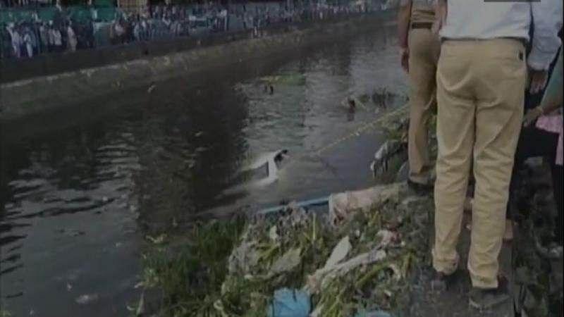 Delhi's Ghazipur landfill site caves in, three dead