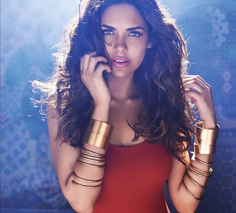 Viral Esha Gupta now poses in red swim suit, and still looks hot