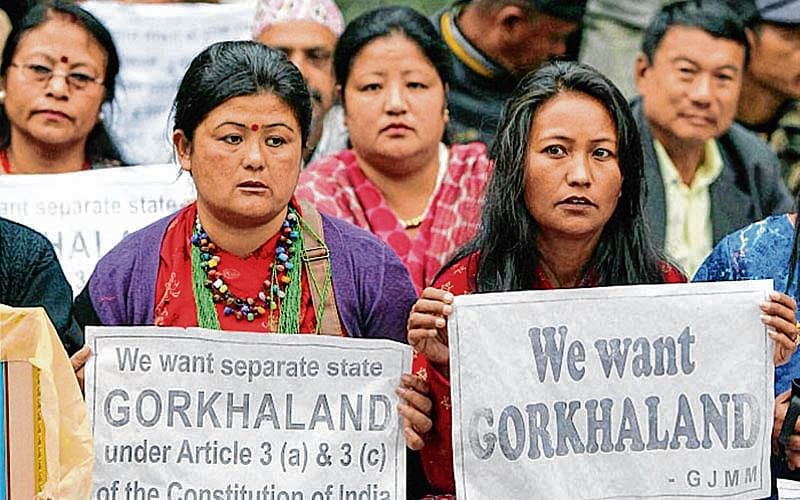 Manhunt for GJM chief even as Darj shutdown continues
