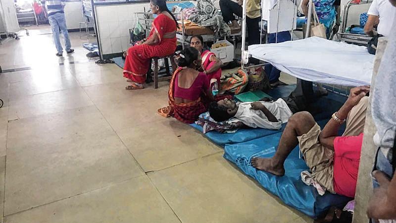 Mumbai: No beds in BMC run hospitals, patients get treatment on floor